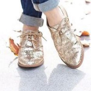 Seychelles Gold Glitter Lace Up Oxford Loafer